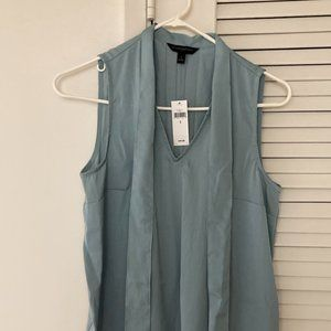 Tie-front Pleated Sleeveless Blouse